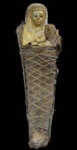 """Momie avec masque doré de l'époque romaine (c) """"Le Soir"""""""
