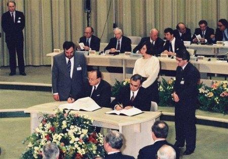Le traité deMaastricht