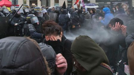 Manifestations « anticapitaliste » et « antifasciste » à Paris et à Rennes