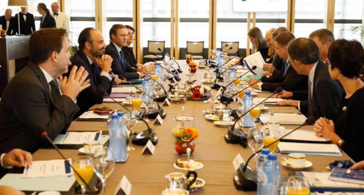 Philippe à Bruxelles pour défendre 'déficit excessif'