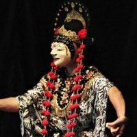 Chorégraphies d'Indonésie, à Liège et à Schaerbeek