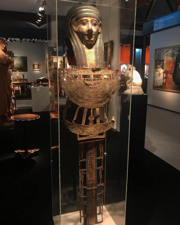 Magnifique parement de momie Ptolémaïque, IIIe siècle avant J-C, à Eurantica Brussels, stand C01 . . #eurantica2019 #art #antiquites #ancientart #egyptianart