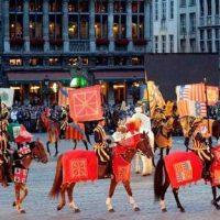 """Sur la Grand' Place de Bruxelles, les 26 et 28 Juin, l' """"Ommegang"""""""