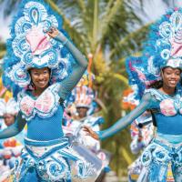"""Carnaval aux Bahamas : Comment réaliser des Coiffes et Masques """"Junkanoo"""" ?"""
