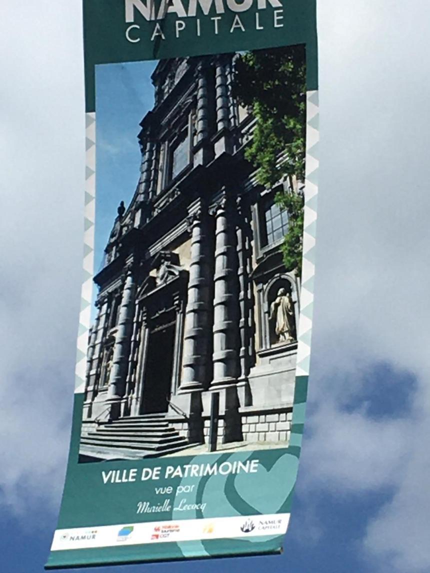 Namur, Ville piétonne, décorée de ses Oriflammes